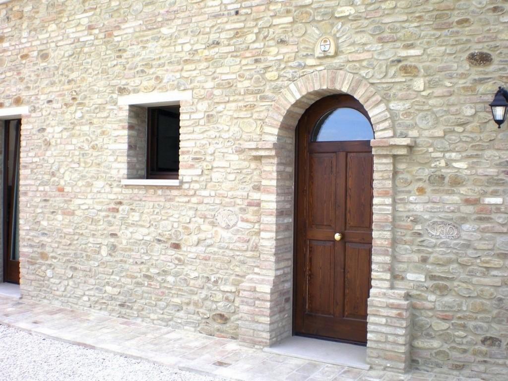 MACS Infissi Pesaro Portone in Legno Massello - MACS Infissi Pesaro